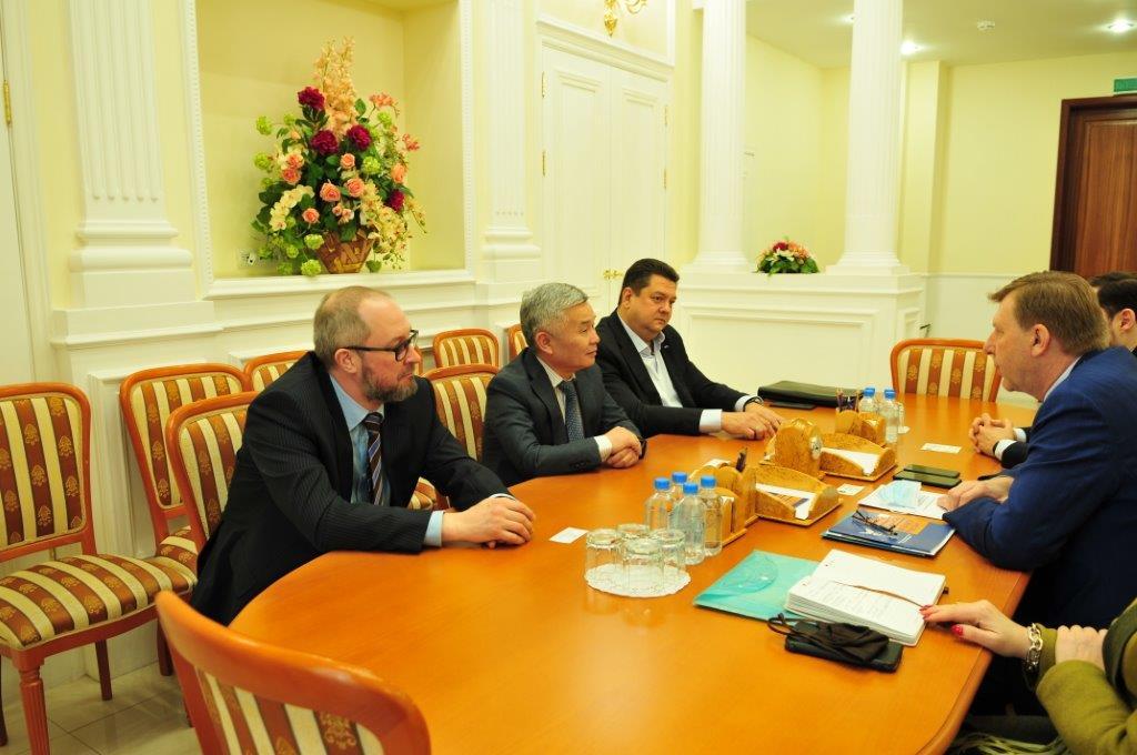 рабочие консультации Председателя правления Фонда Андрея Сергеева